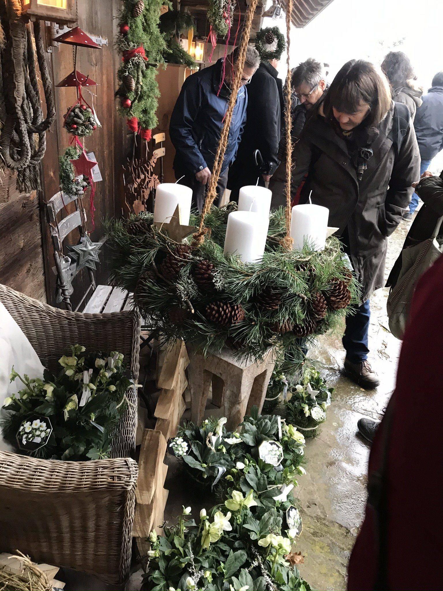 Adventsmarkt Adventskranz auf Liefersberger_Hof