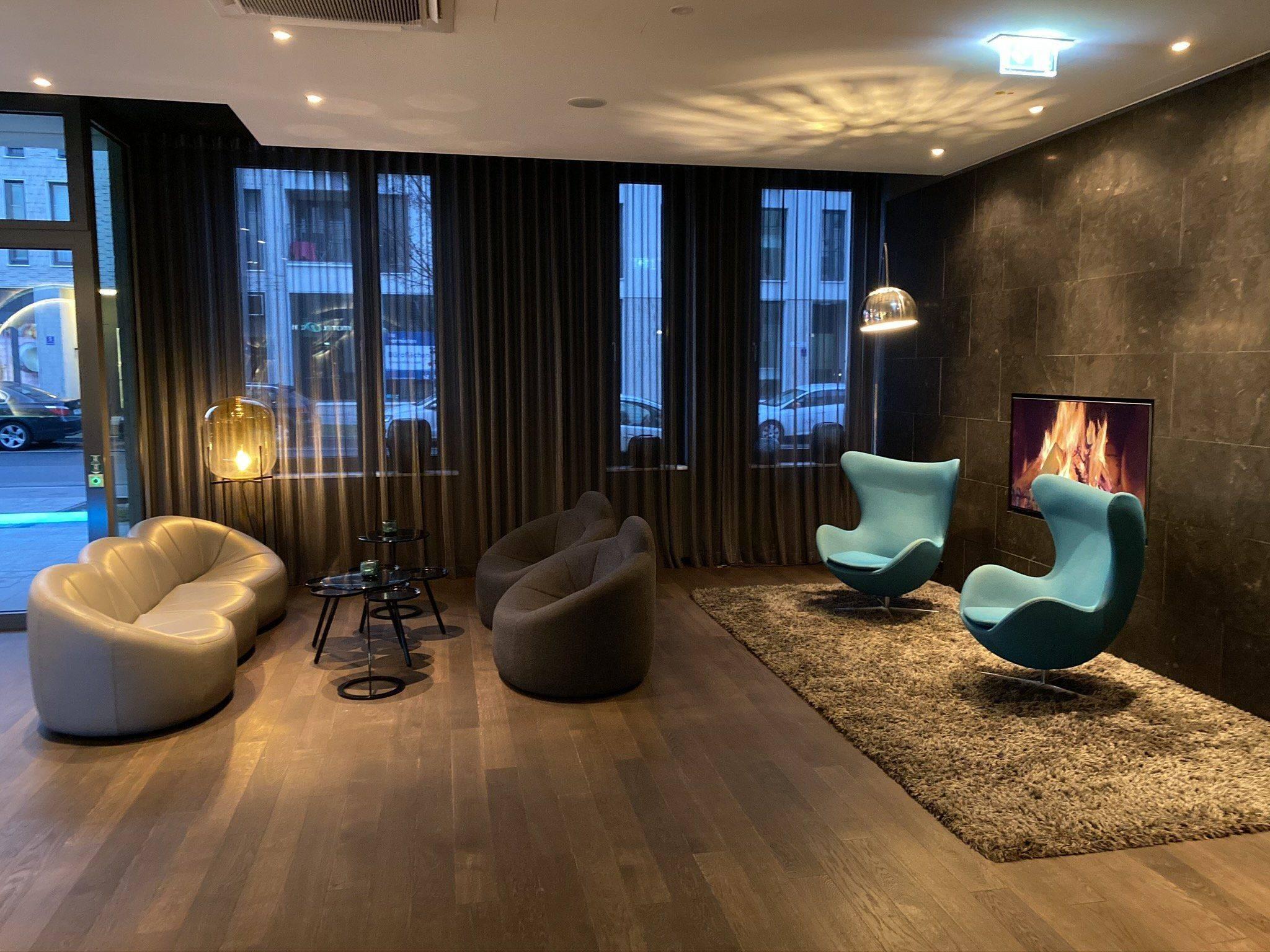 Motel One München Lounge Ecke