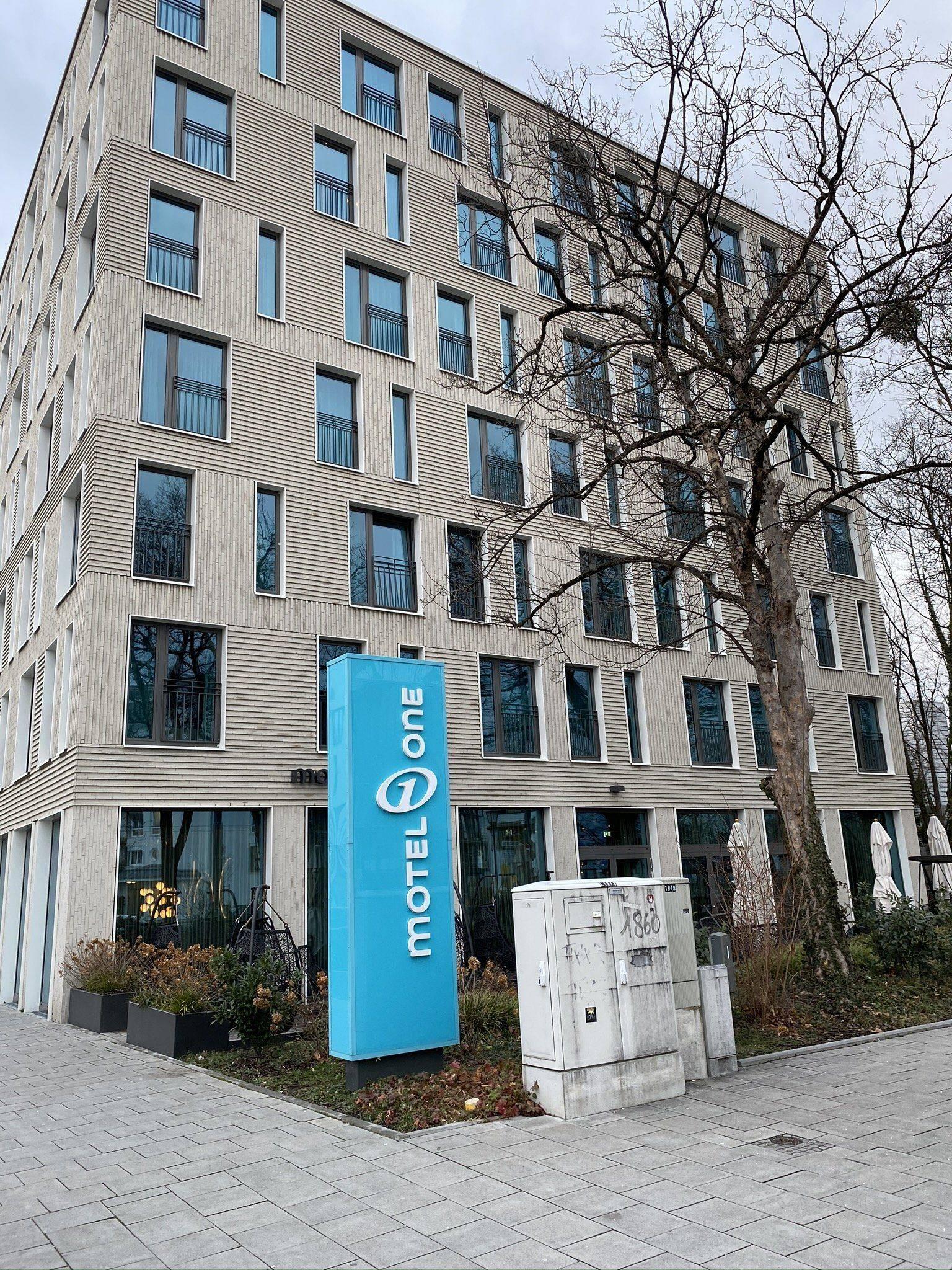 Motel One München Außenansicht