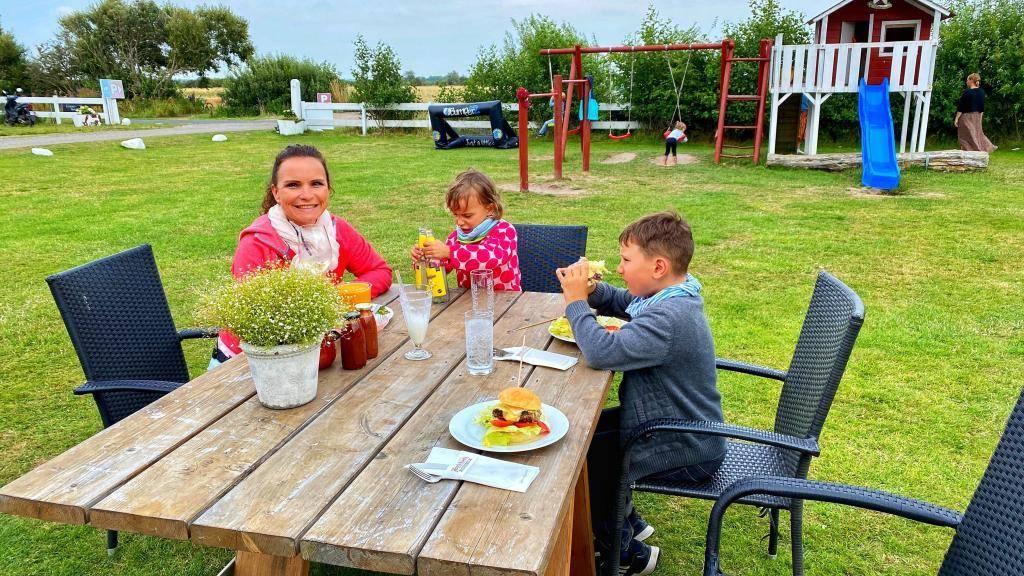 Hamburger Familienfarm_Hinrichsen