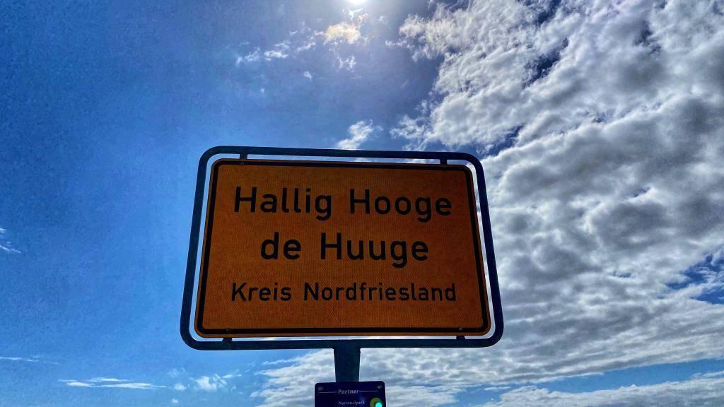Ortsschild Hallig Hooge