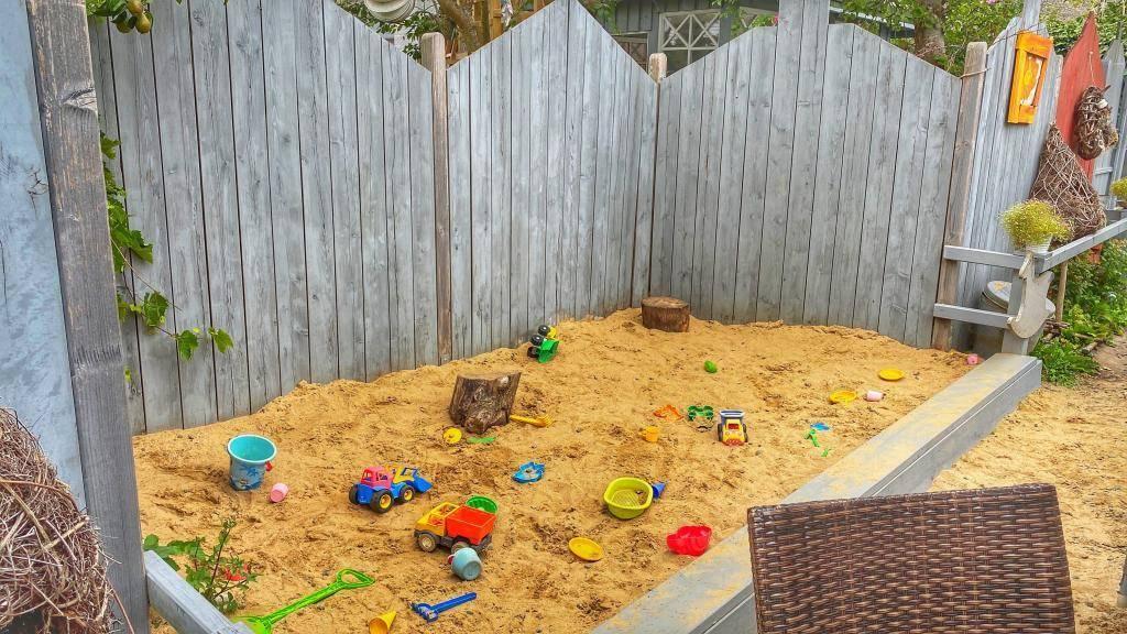Sandkasten Stellys Hüüs